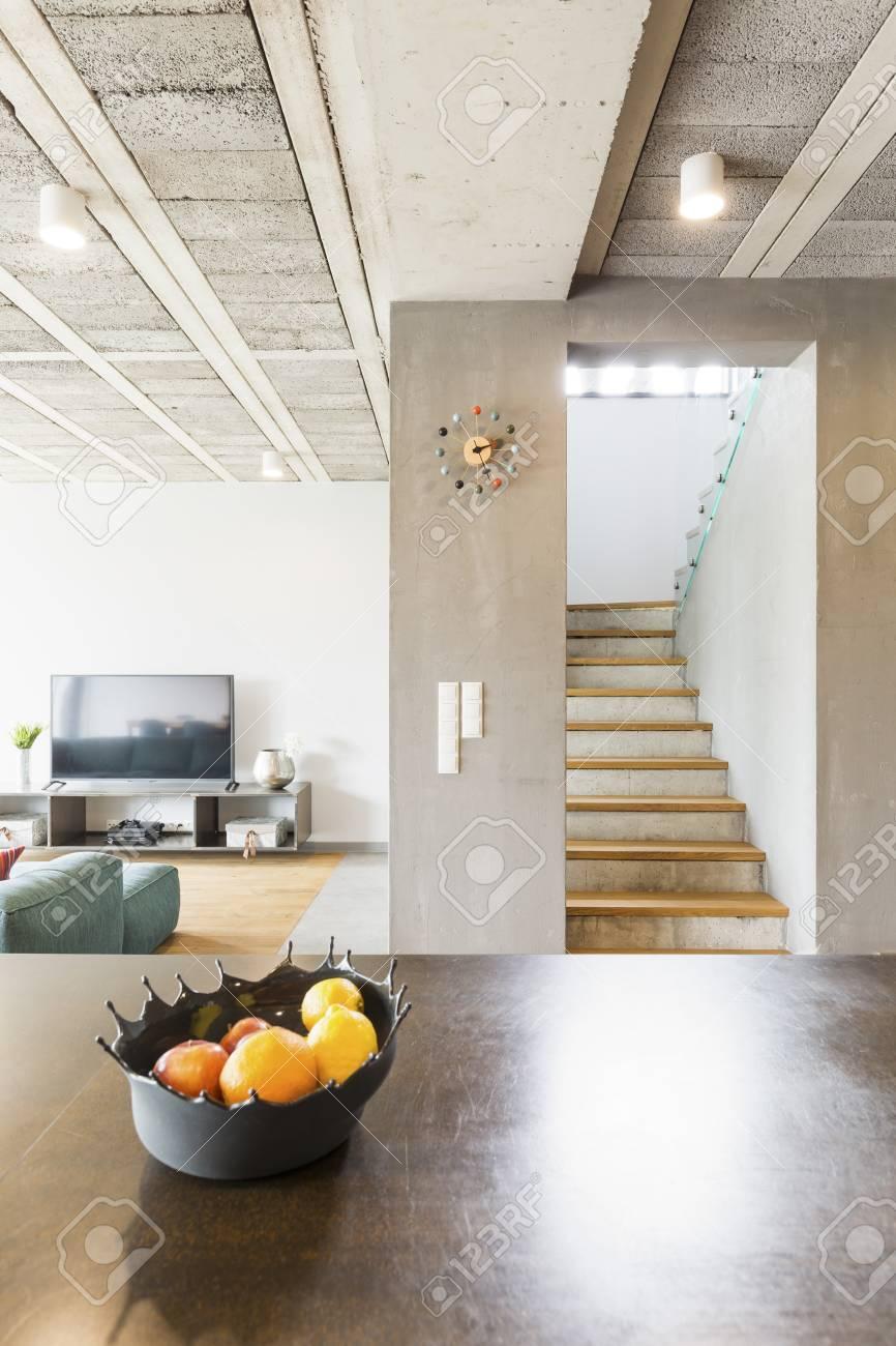Intérieur De La Maison Moderne De Luxe - Vue Verticale Banque D ...