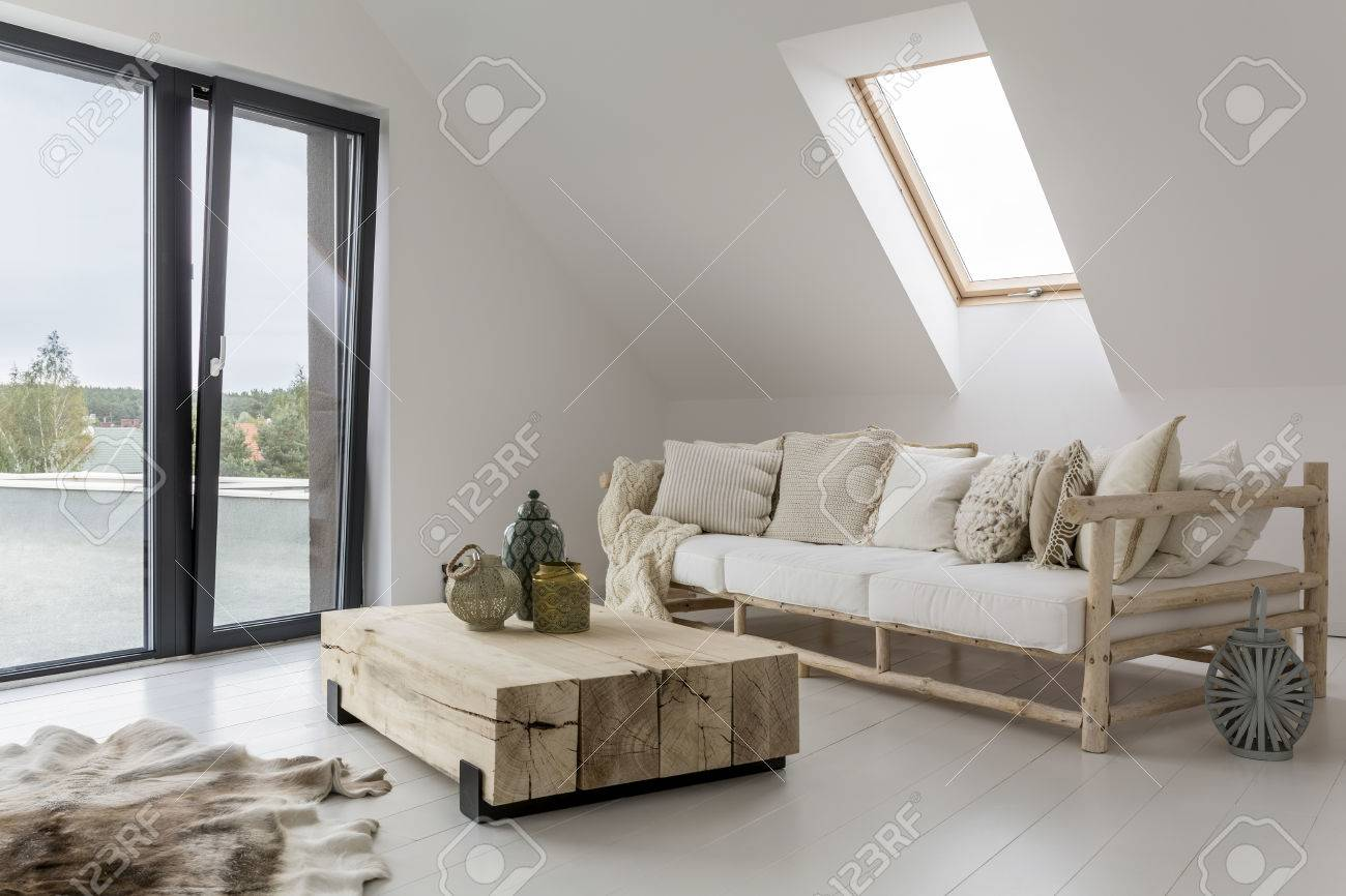 Spacious interior of a house at the seaside Standard-Bild - 73429328