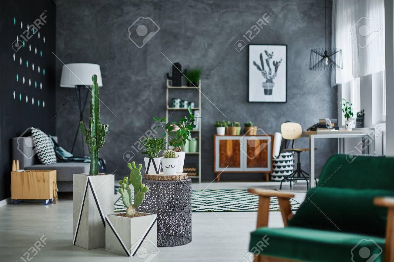 Modernes Zimmer Interieur Mit Designer-Möbeln Lizenzfreie Fotos ...