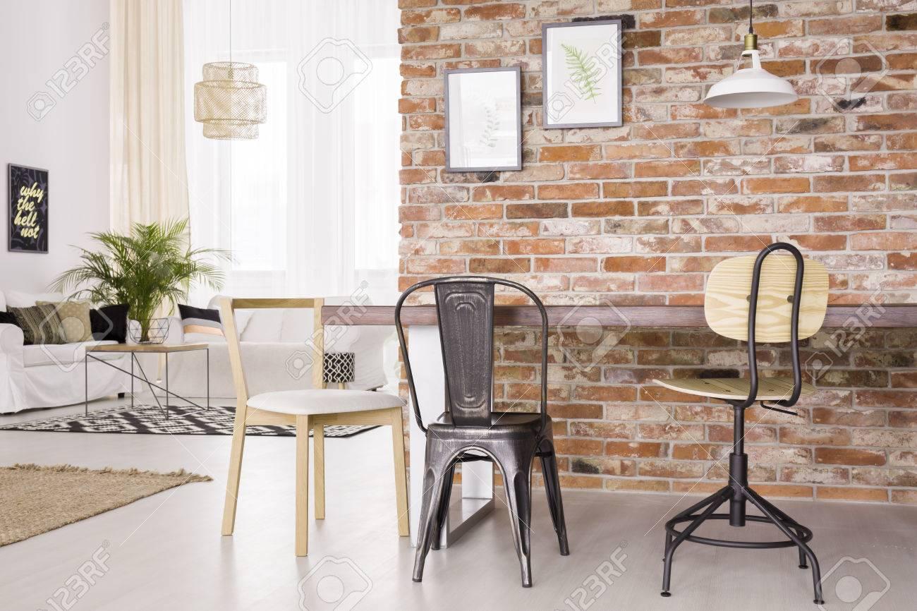 Design Industriel Moderne Dun Salon Avec Salle à Manger Banque D