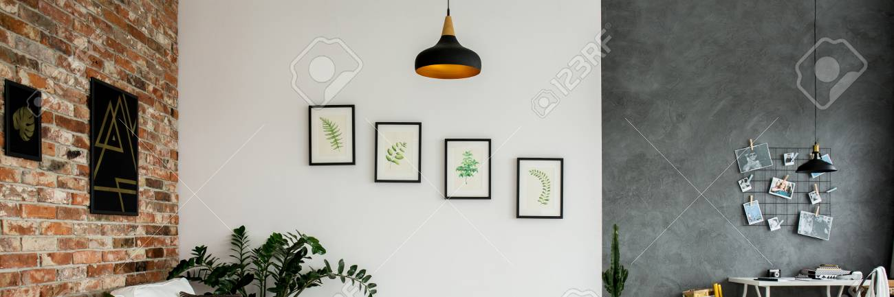 Backsteinmauer, Weiße Wand Und Graue Wand Verziert Mit Bildern Im ...
