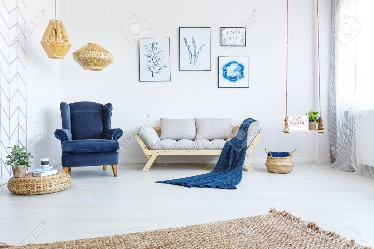 Exquisit Sofa Und Sessel Beste Wahl Standard-bild - Weißes Wohnraum Mit Sofa, Sessel,