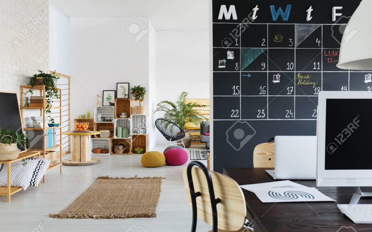 Espacio Coworking Y Zona De Relax Con Muebles De Caj N De Moda  # Muebles Zona Franca
