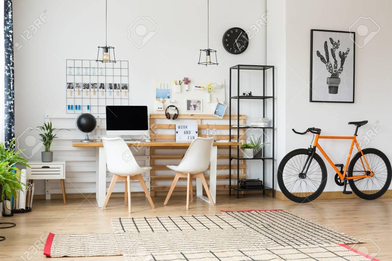 Bureau noir avec etagere bureau avec etagere noir bureau