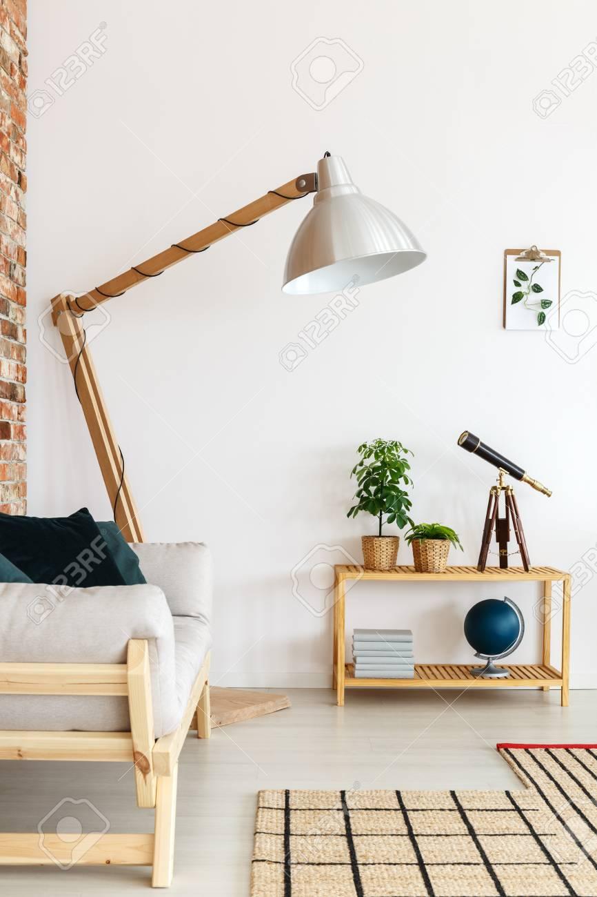 la dos brillante esquina pisos de de de pie la en estar madera Lámpara sala de alambre con de YEWIeD2H9