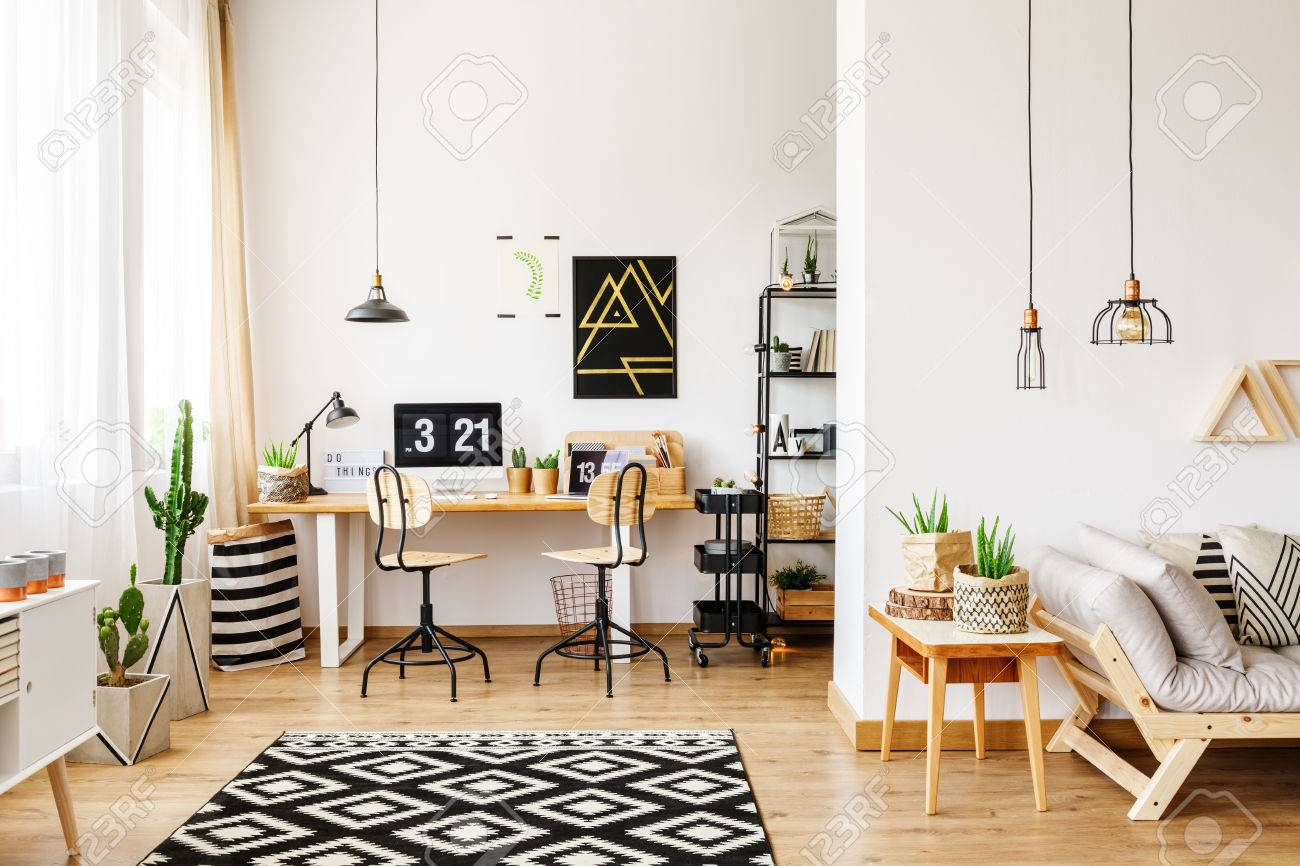 Modernes Zimmer Im Skandinavischen Stil Mit Büro-Interieur Mit ...