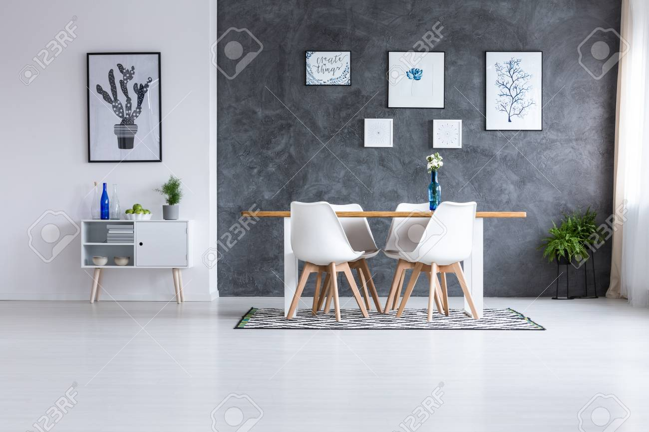 Super Scandinavian Style Dining Room With Geometric Carpet Under Wooden Theyellowbook Wood Chair Design Ideas Theyellowbookinfo