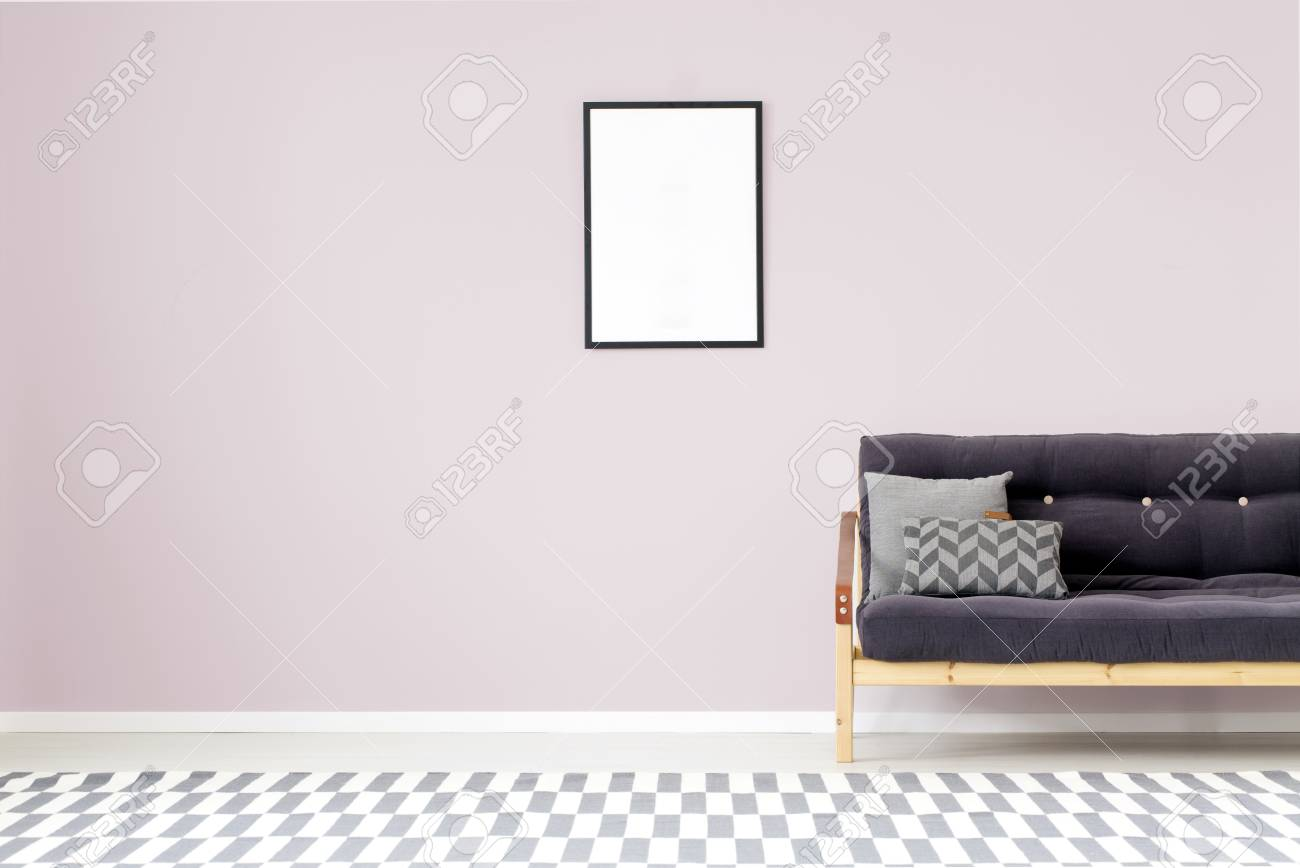 Mockup Of Empty Poster On Purple Wall In Living Room Interior ...