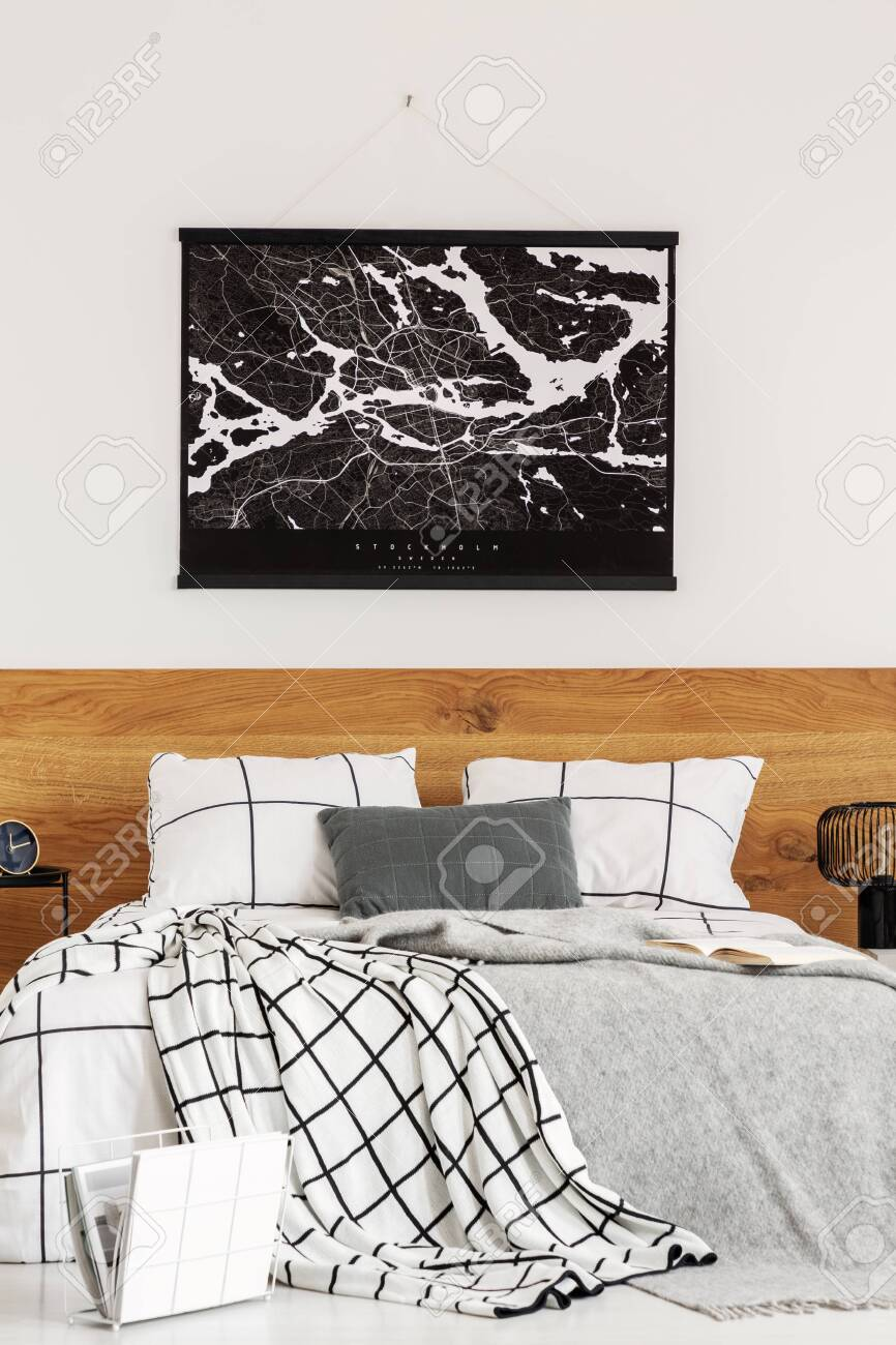 Simple Black And White Wall Design