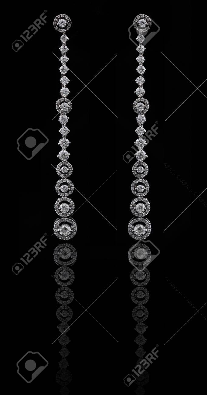 diamond earings with reflection Stock Photo - 9691177