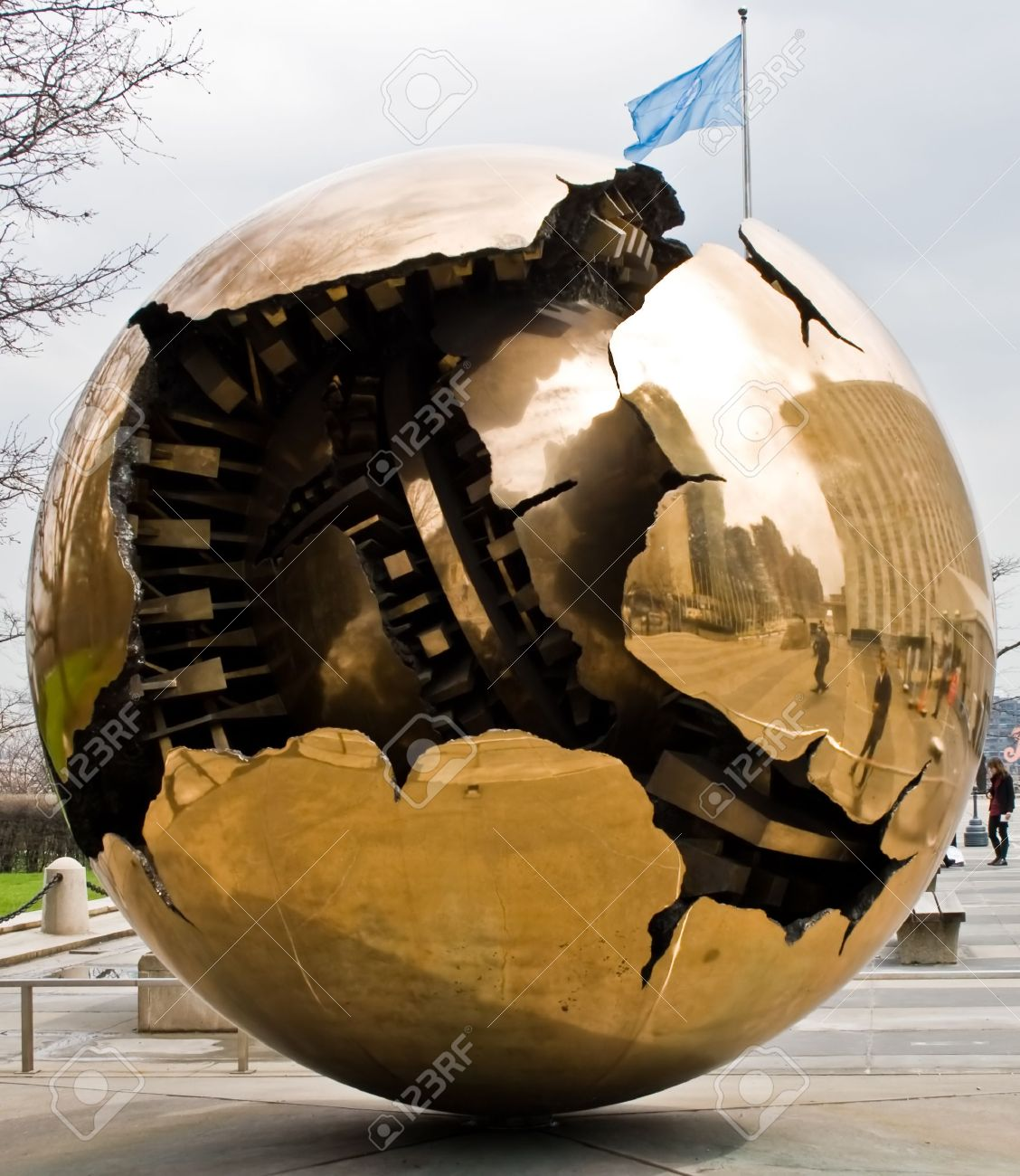 Image result for golden globe statue at united nations picture