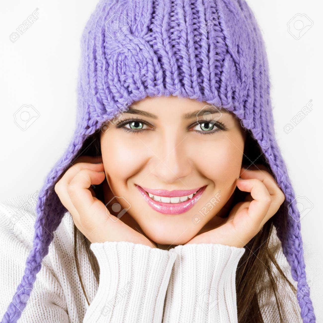 Beautiful young woman ready for winter Stock Photo - 15563325
