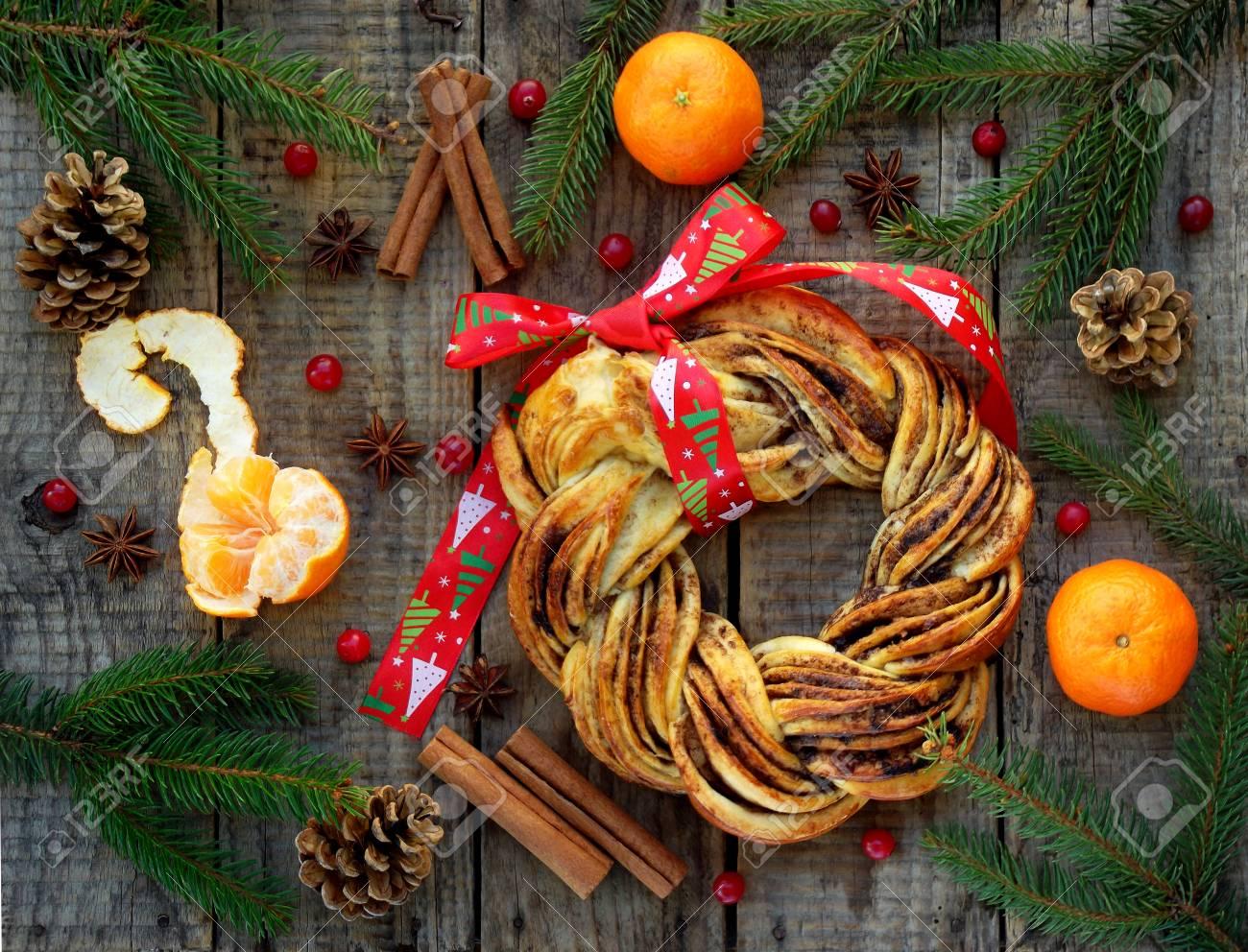 Zimtkakao-braune Zuckerkranzbrötchen. Süßes Selbst Gemachtes ...