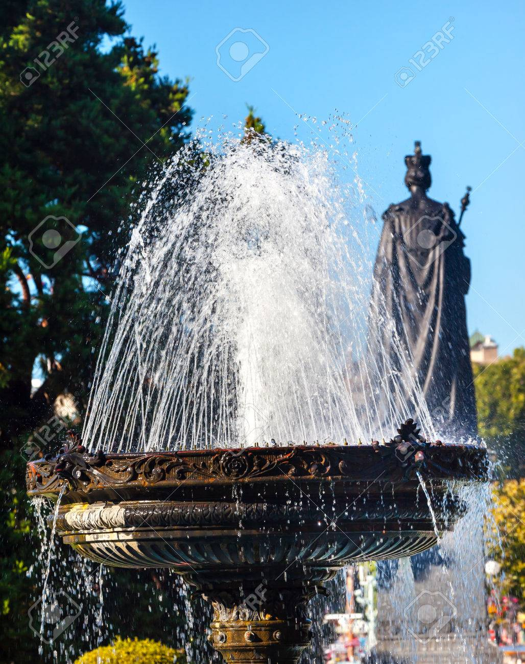 Water fountains with statues - Fountain Water Flowing Queen Victoria Statue Provincial Capital Legislative Parliament Buildiing Victoria British Columbia Canada Stock