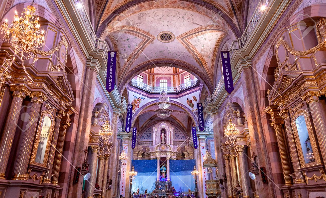 Weihnachtsbögen, Parroquia Kathedrale Dolores Hidalgo Mexiko. Wo ...