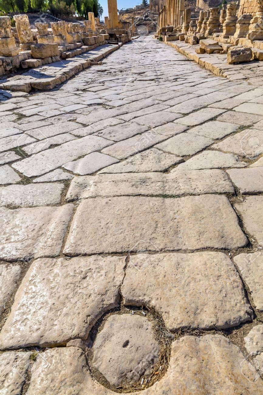 列古都下水システム ジェラシュ ヨルダンと古代ローマの道 ...
