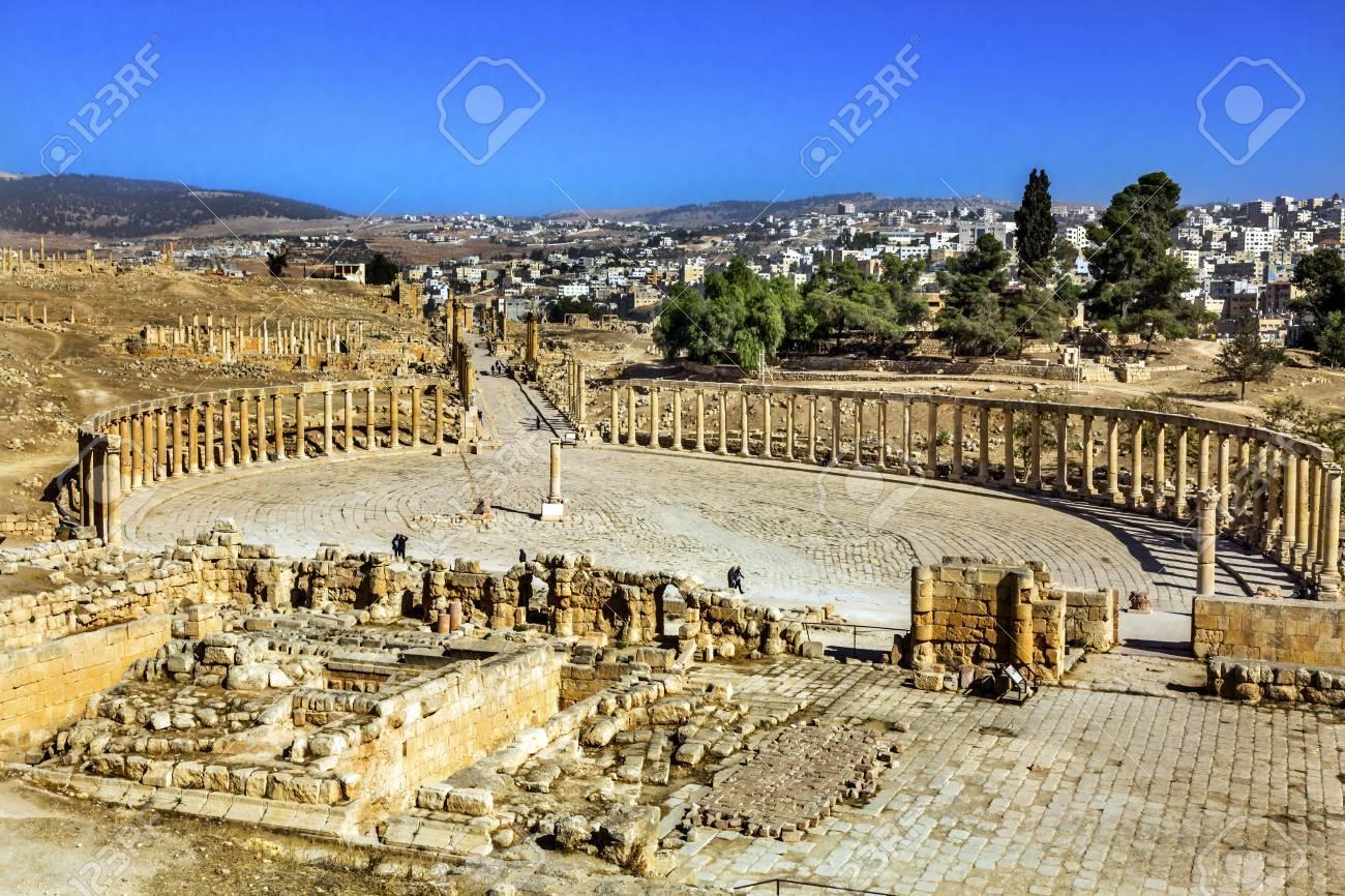 楕円形広場 160 イオン列古代ローマ都市ジェラシュ ヨルダン ...
