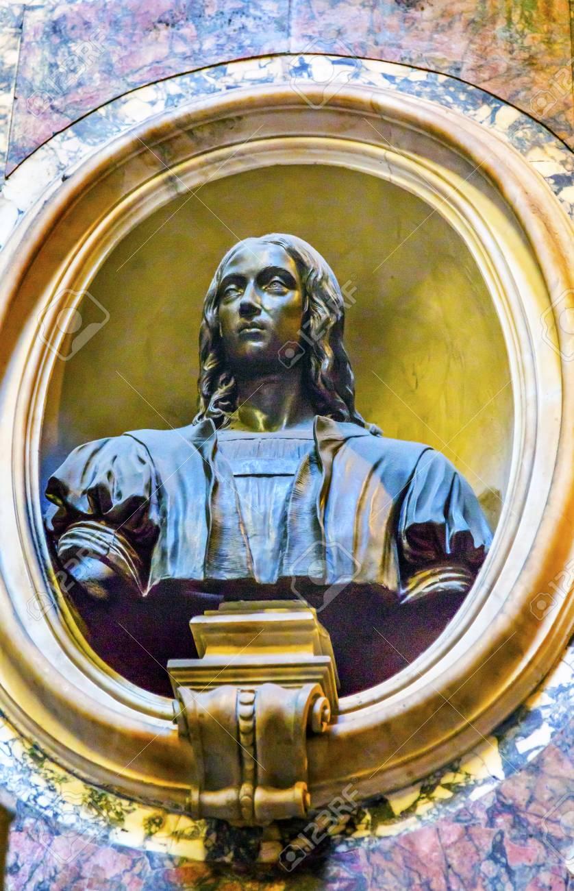 ラファエロの墓バスト パンテオ...