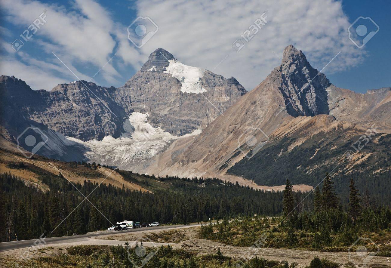 Columbia Icefield - Jasper National Park - Alberta Canada Stock Photo - 6751445