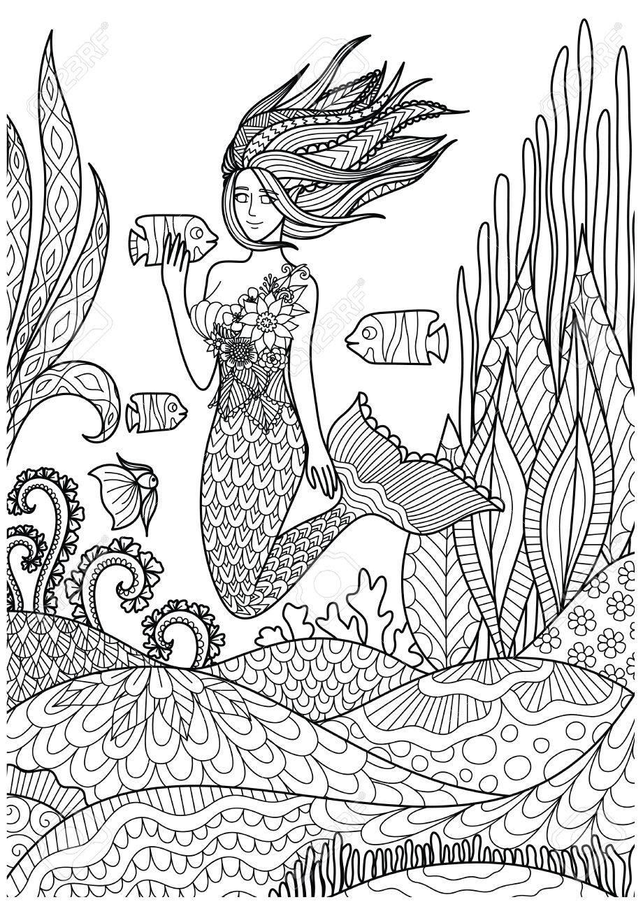 Sirena Hermosa Que Juega Con Los Pescados Bajo El Océano Con Los ...