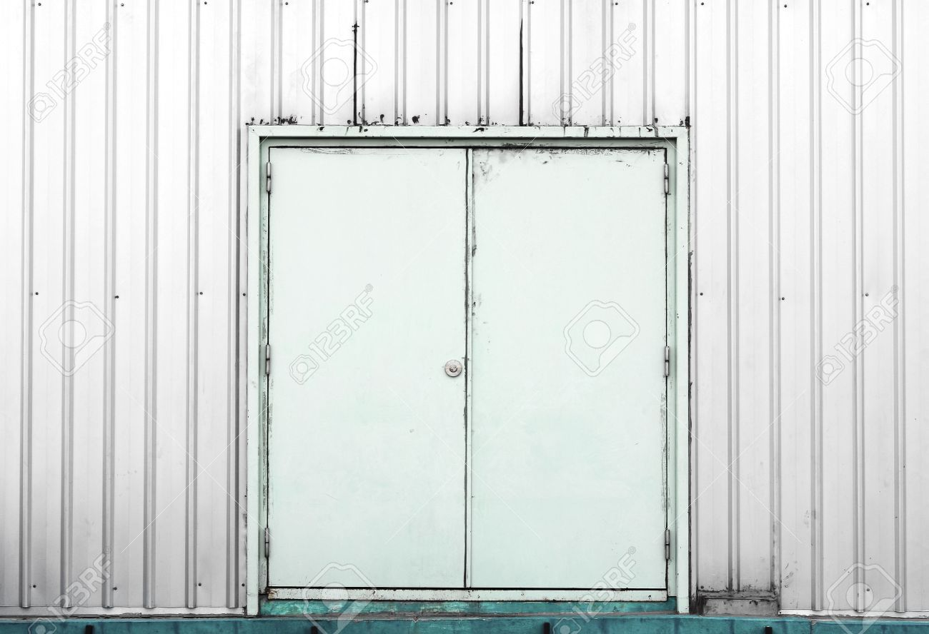 Stock Photo - White container doors background texture  sc 1 st  123RF.com & White Container Doors Background Texture Stock Photo Picture And ...