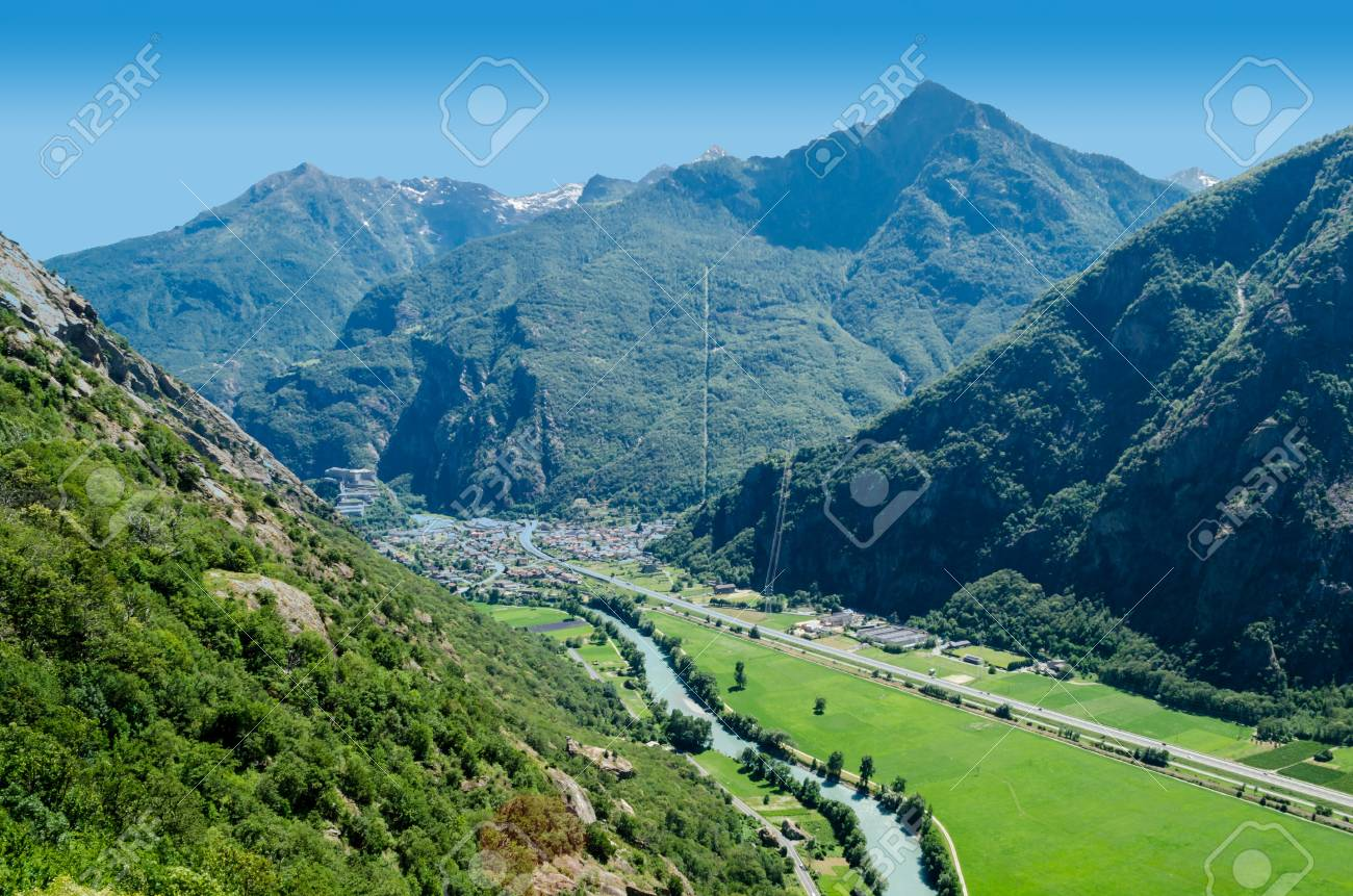 Bard and Fort Bard, Aosta Valley, Italy Stock Photo - 21336259