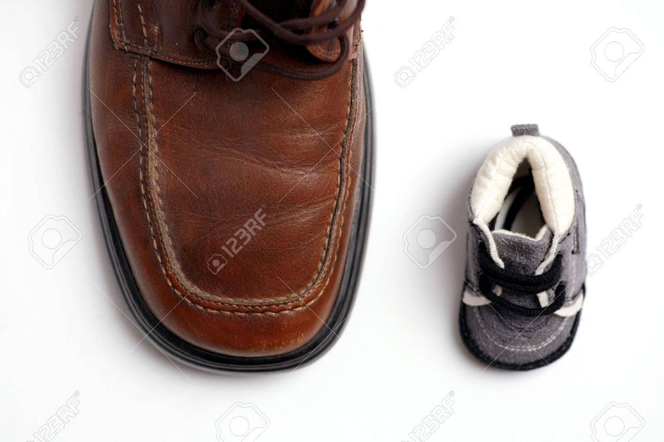 Fils Deux Banque D'images Et GrandsPère ChaussuresPetits yf7Ybg6v