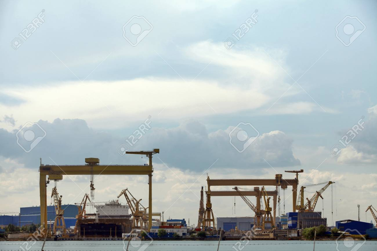 View of an industrial naval port by the sea Stock Photo - 20412245