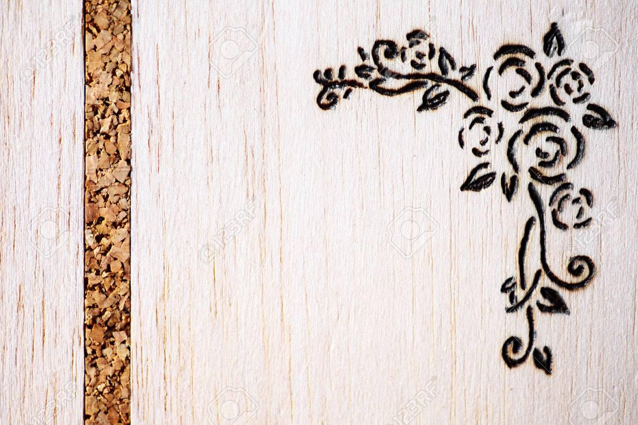 Un Modèle Floral Fait Avec Pyrogravure Sur Bois Banque Dimages Et