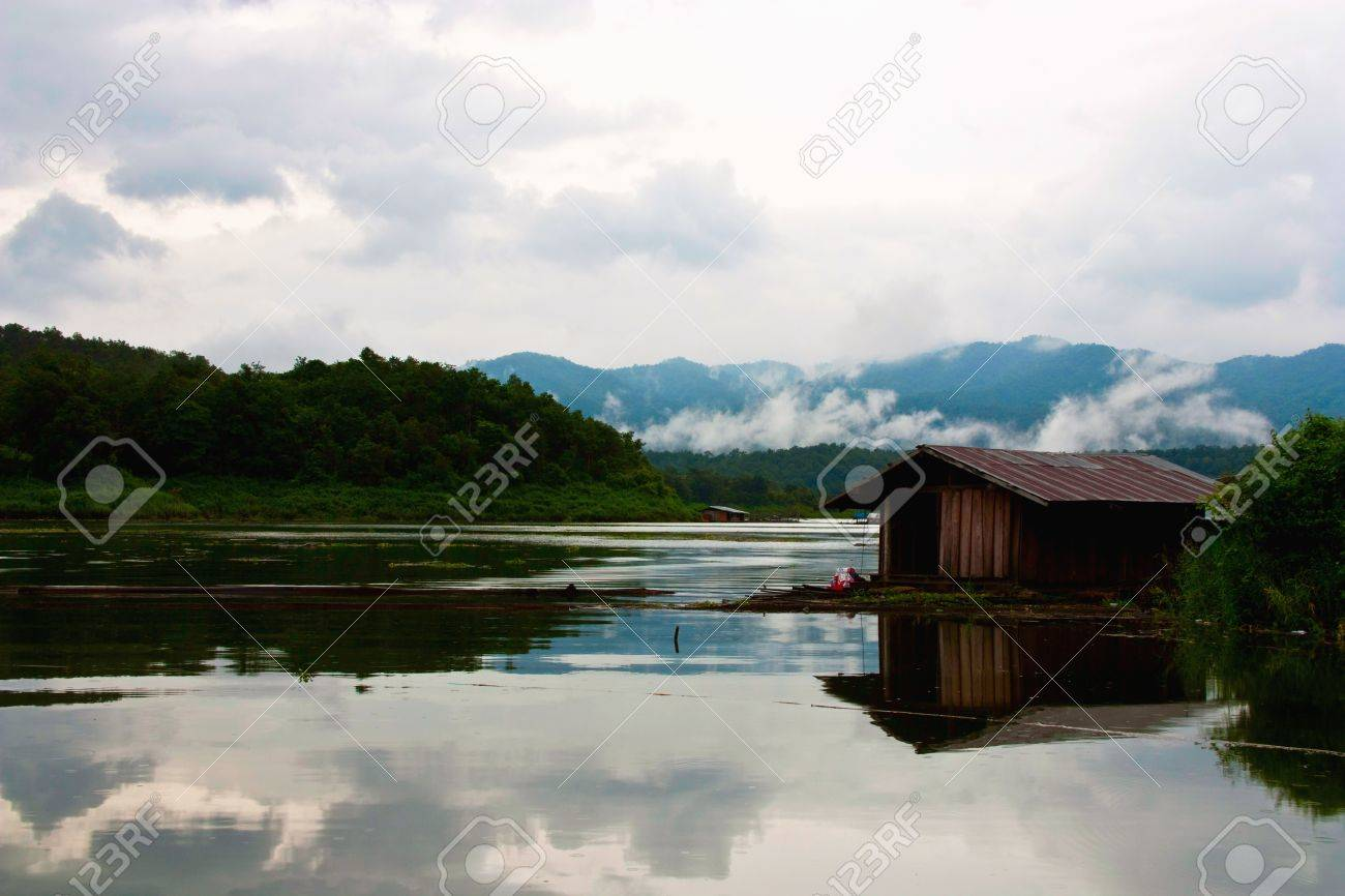 Wooden raft house on lake, Thailand Stock Photo - 9606072