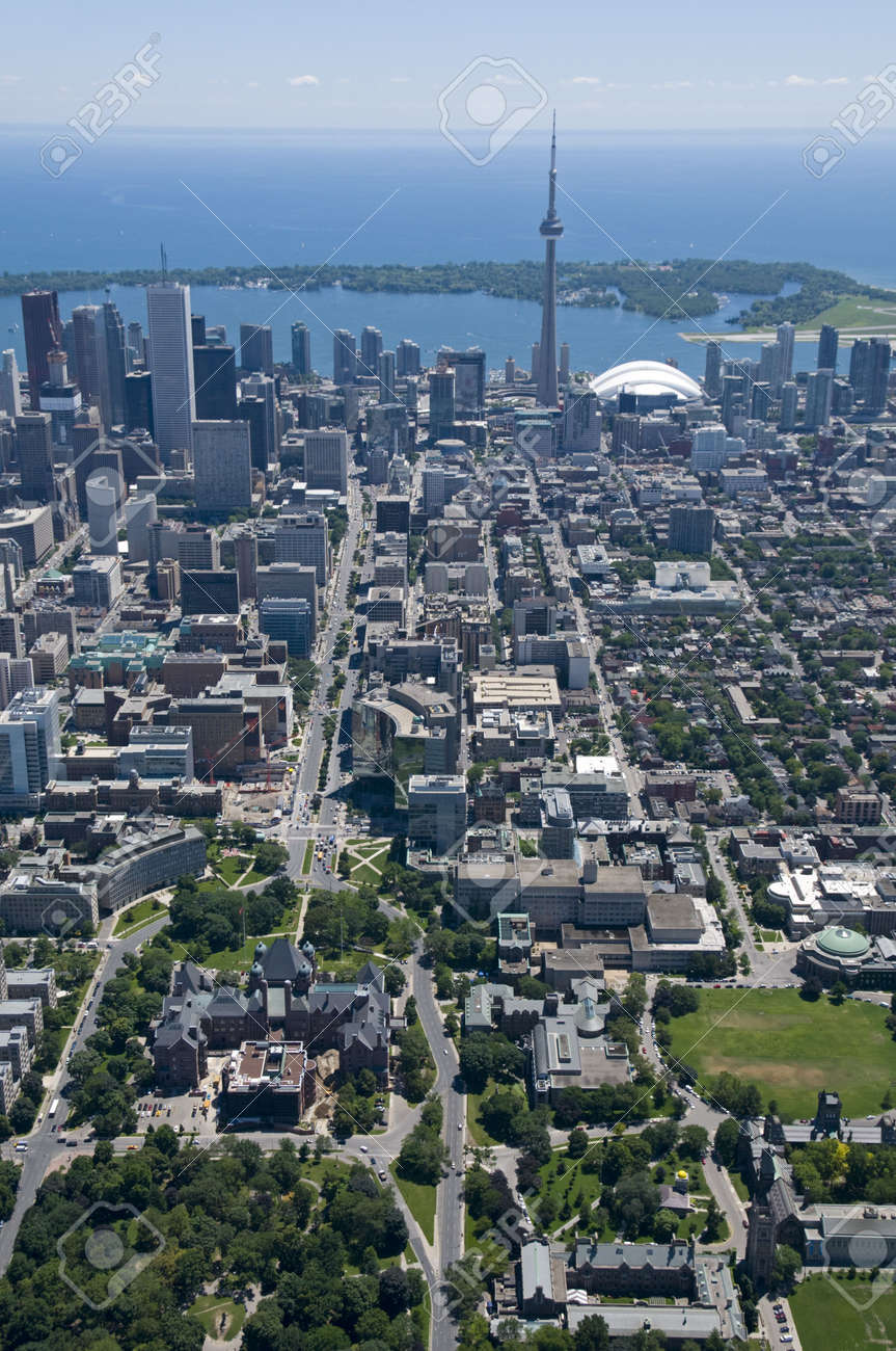 Downtown Toronto, Canada, seen from just above Bloor Street West and Queens Park, looking south towards the Toronto Islands. Stock Photo - 5749986