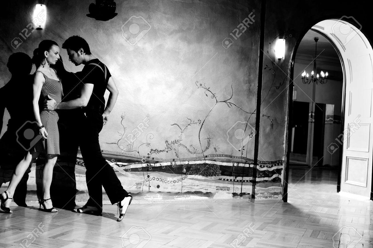 Чёрно белое фото мужчина и женщина 8 фотография
