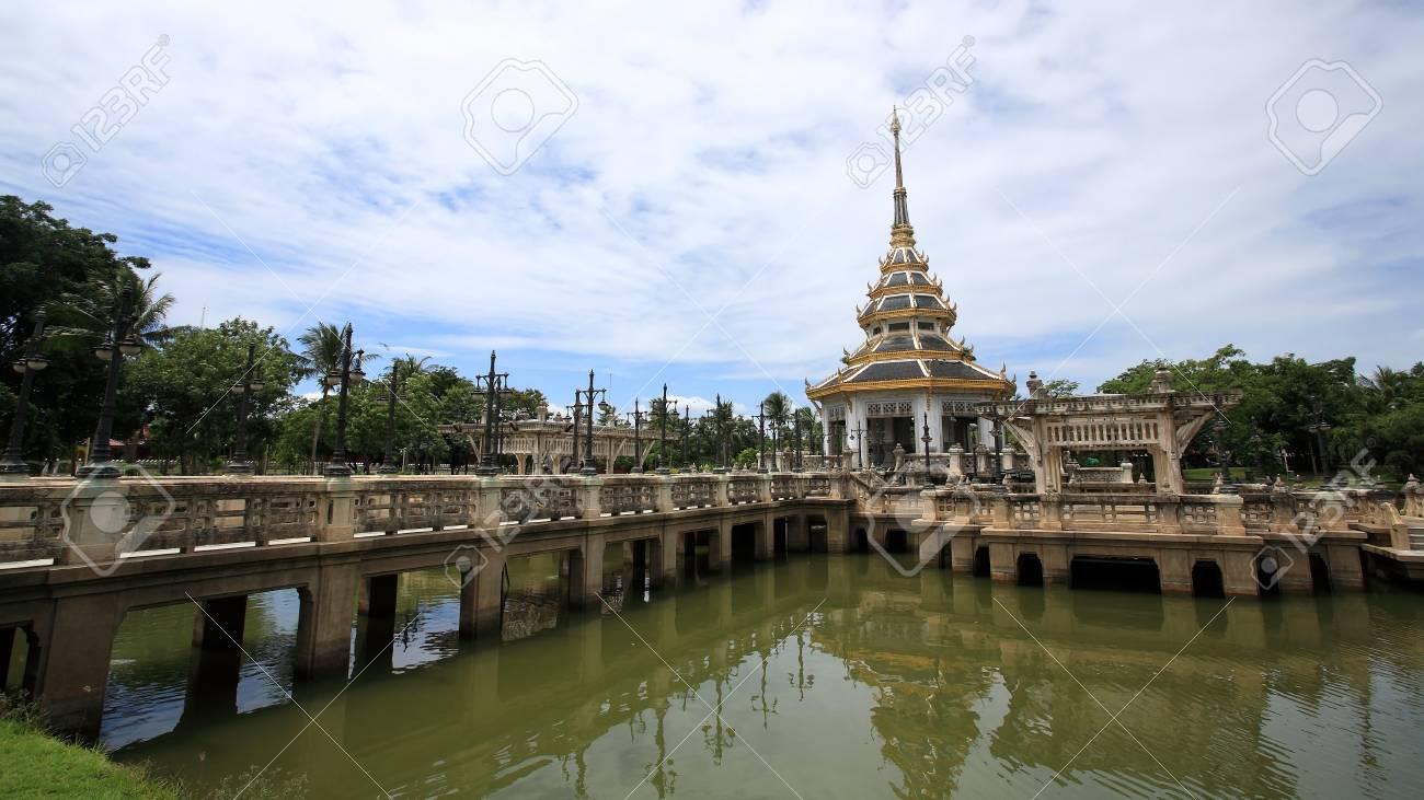 Oriental pagoda on the pond at Chalerm Prakiat park in Nontaburi province, Thailand Stock Photo - 15003512