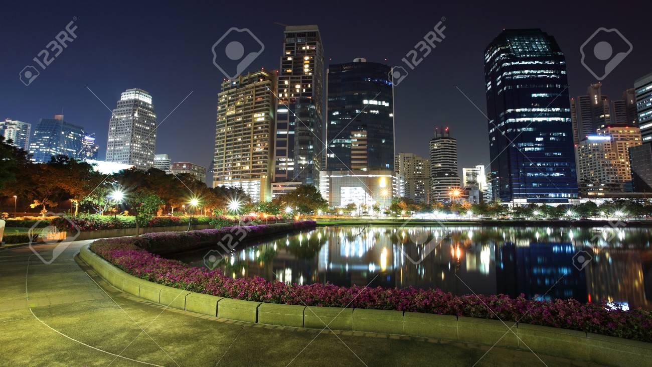 Bangkok cityscape with Recreation park at night, Thailand Stock Photo - 17589419