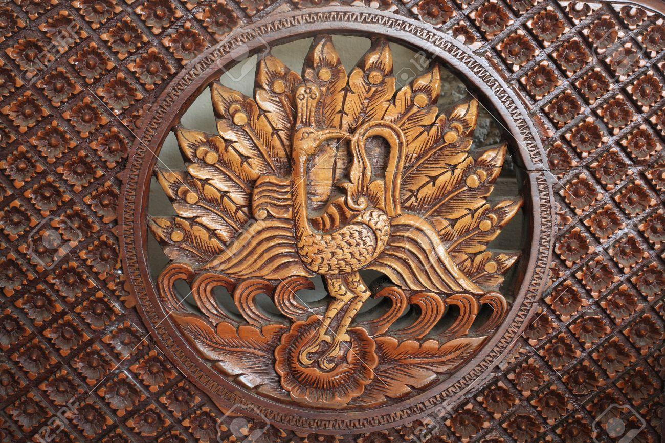 pavo real tallado de madera para muebles de decoracin de la casa con textura de