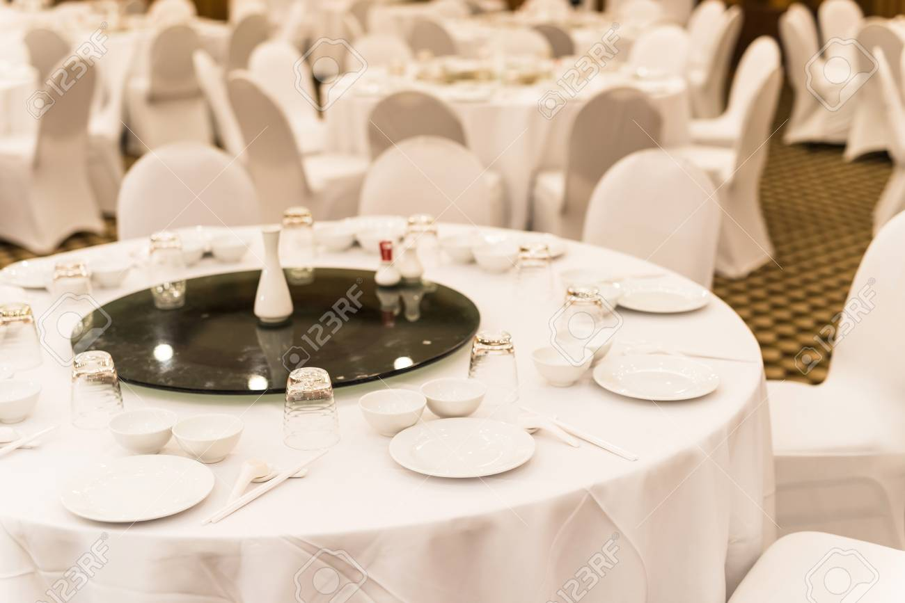 Stock Photo - White wedding table setting for guests to have dinner & White Wedding Table Setting For Guests To Have Dinner Stock Photo ...
