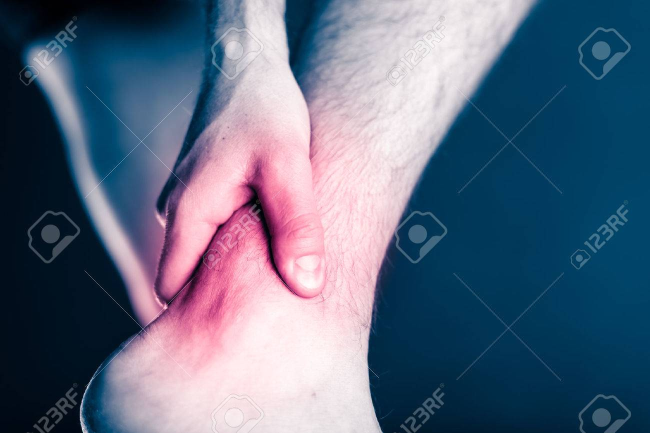 Bänderdehnung am Knöchel