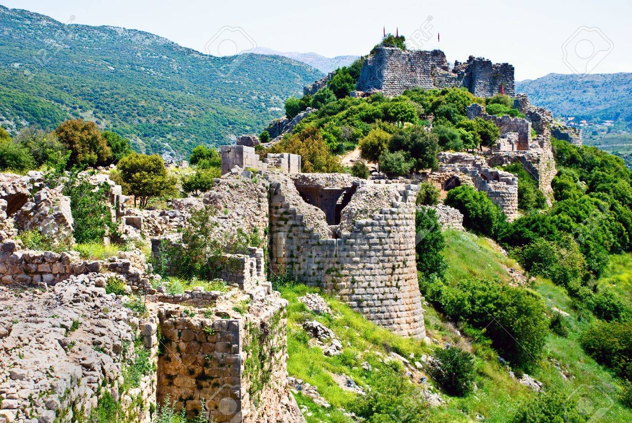 http://previews.123rf.com/images/blaze986/blaze9860905/blaze986090500008/4779499-Remains-of-the-Nimrod-fortress-on-the-Golan-Heights-Stock-Photo.jpg