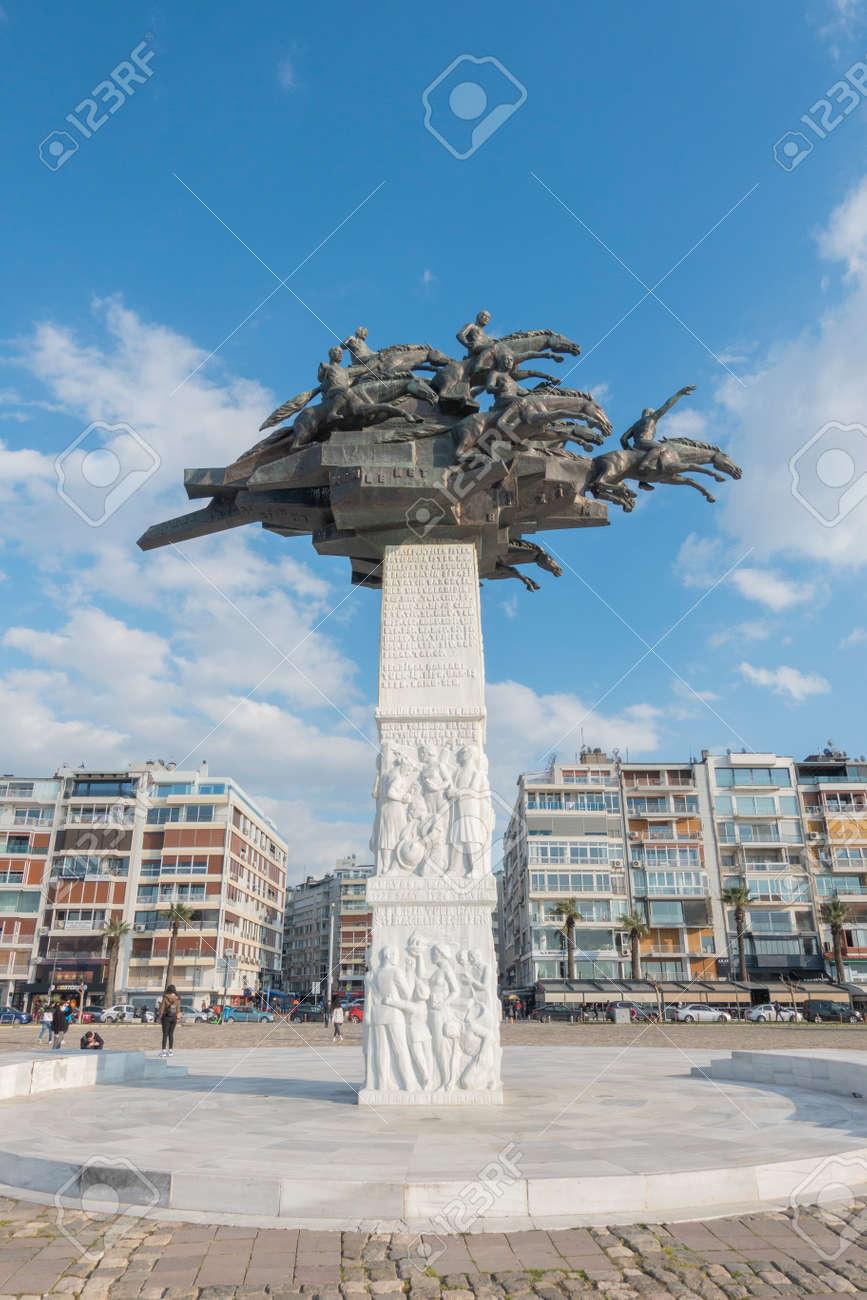 The Ataturk square and statue - 166700829