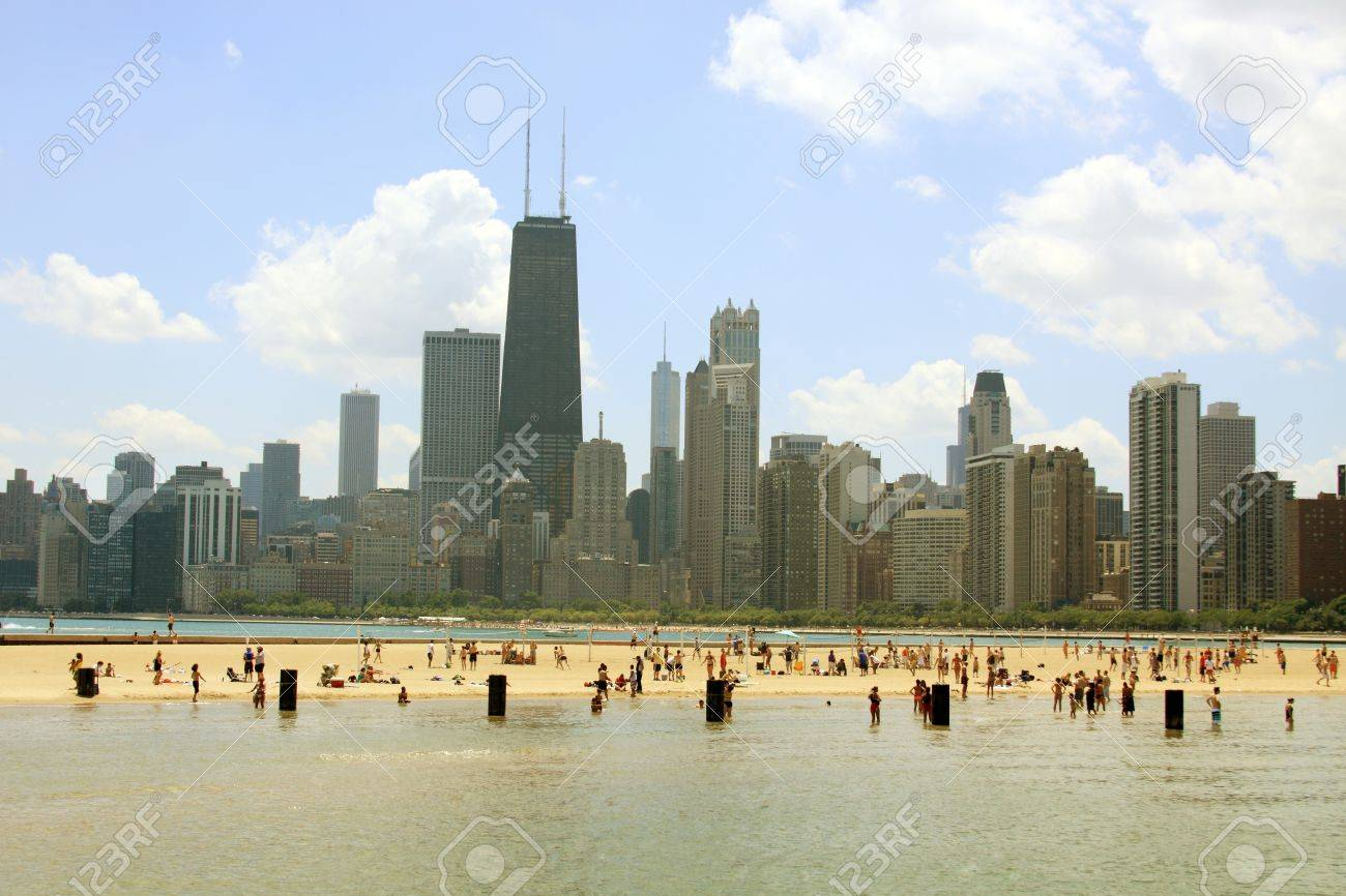 North Beach, downtown Chicago, Illinois Stock Photo - 12538045