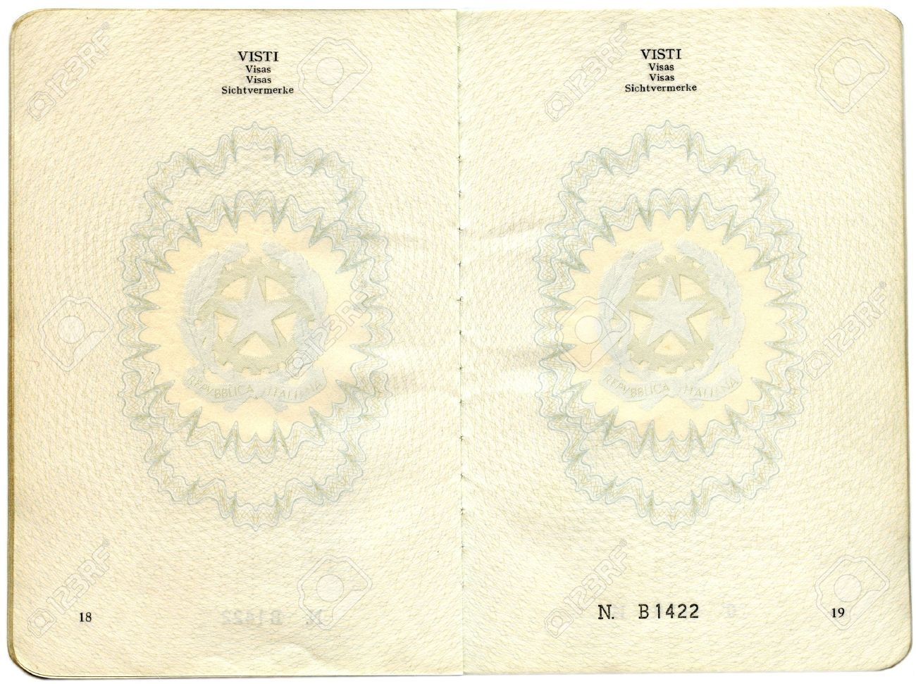 Old Italian passport. Pages for visa marks - 9279532