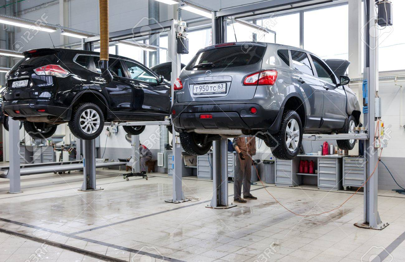 SAMARA, RUSSIA - JANUARY 10, 2016: Inside in the auto repair service station of the official dealer Nissan. Nissan is a Japanese multinational automaker - 51490700