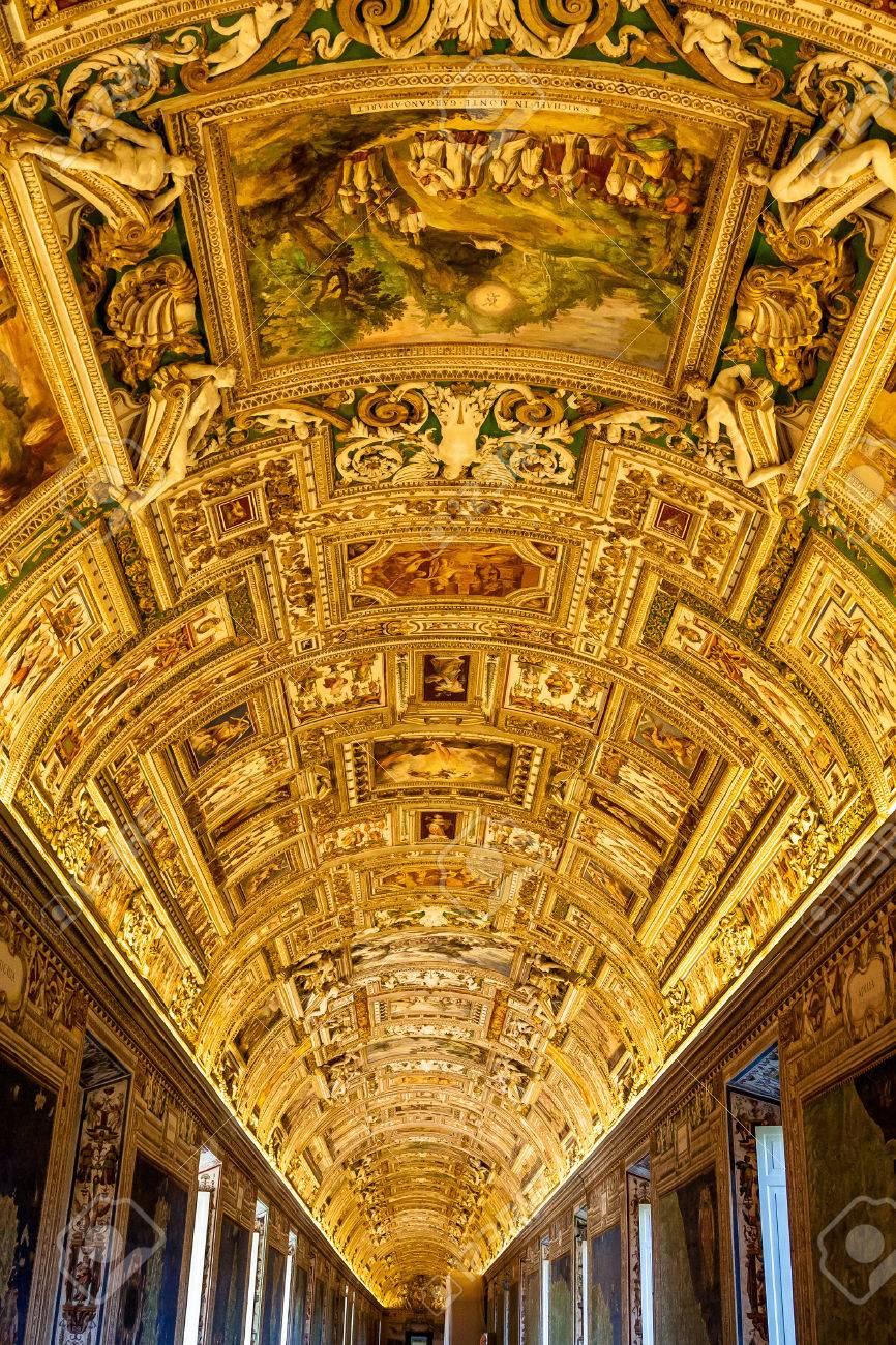 Museo Del Vaticano.Immagini Stock Soffitto Della Galleria Al Museo Del Vaticano A