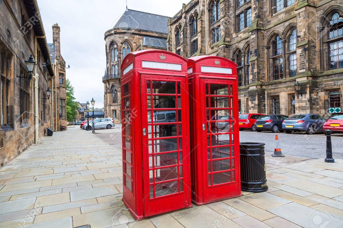 Cabina Telefonica : Cabina telefonica rossa nelluniversità di glasgow scozia regno