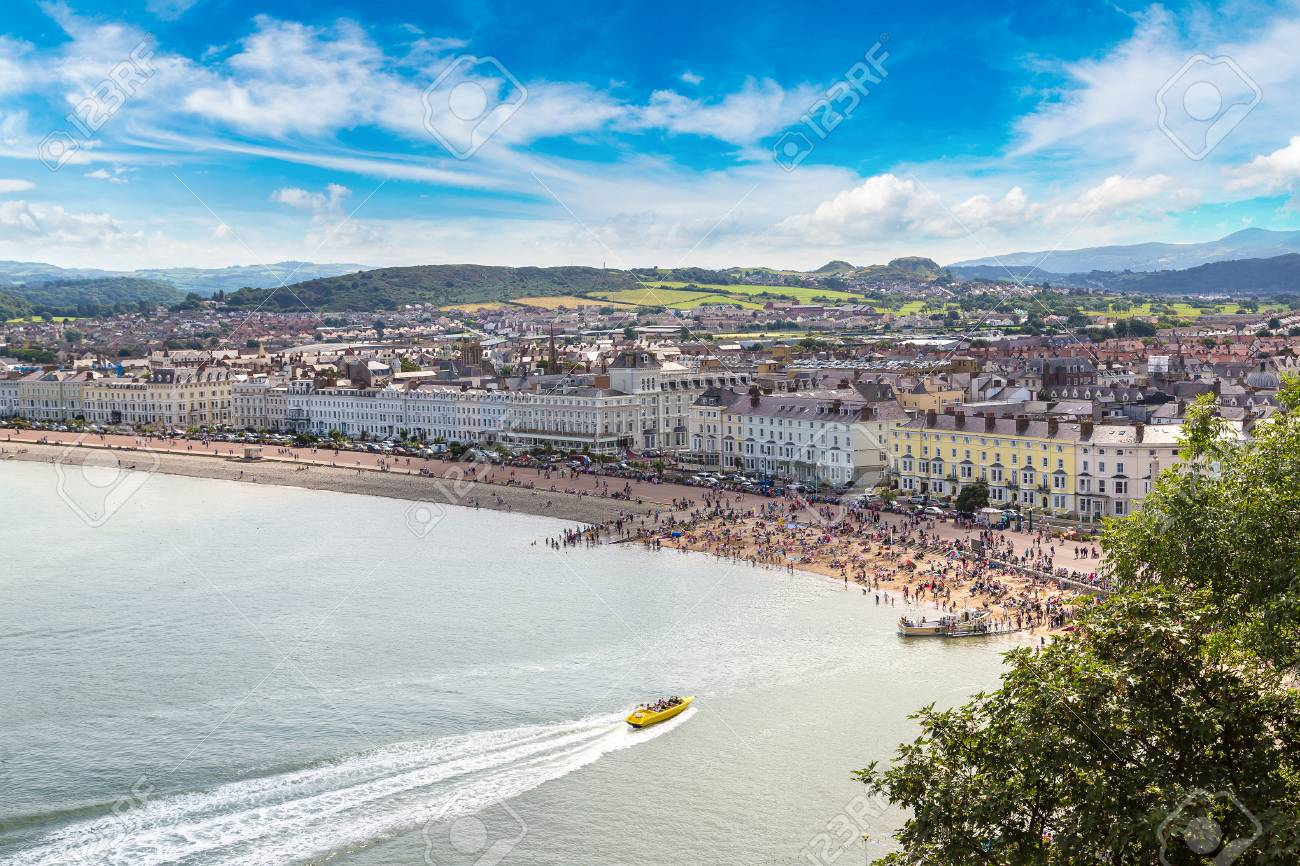 Panoramic view of beach in llandudno in Wales in a beautiful summer day, United Kingdom - 70769607