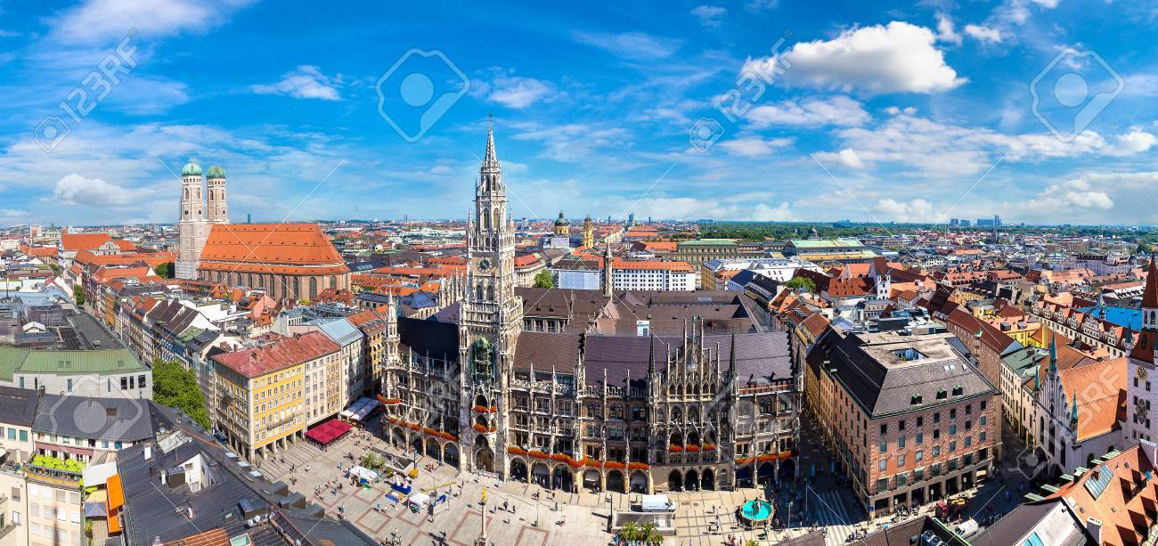 Aerial view on Marienplatz town hall and Frauenkirche in Munich, Germany in a beautiful summer day - 87441490
