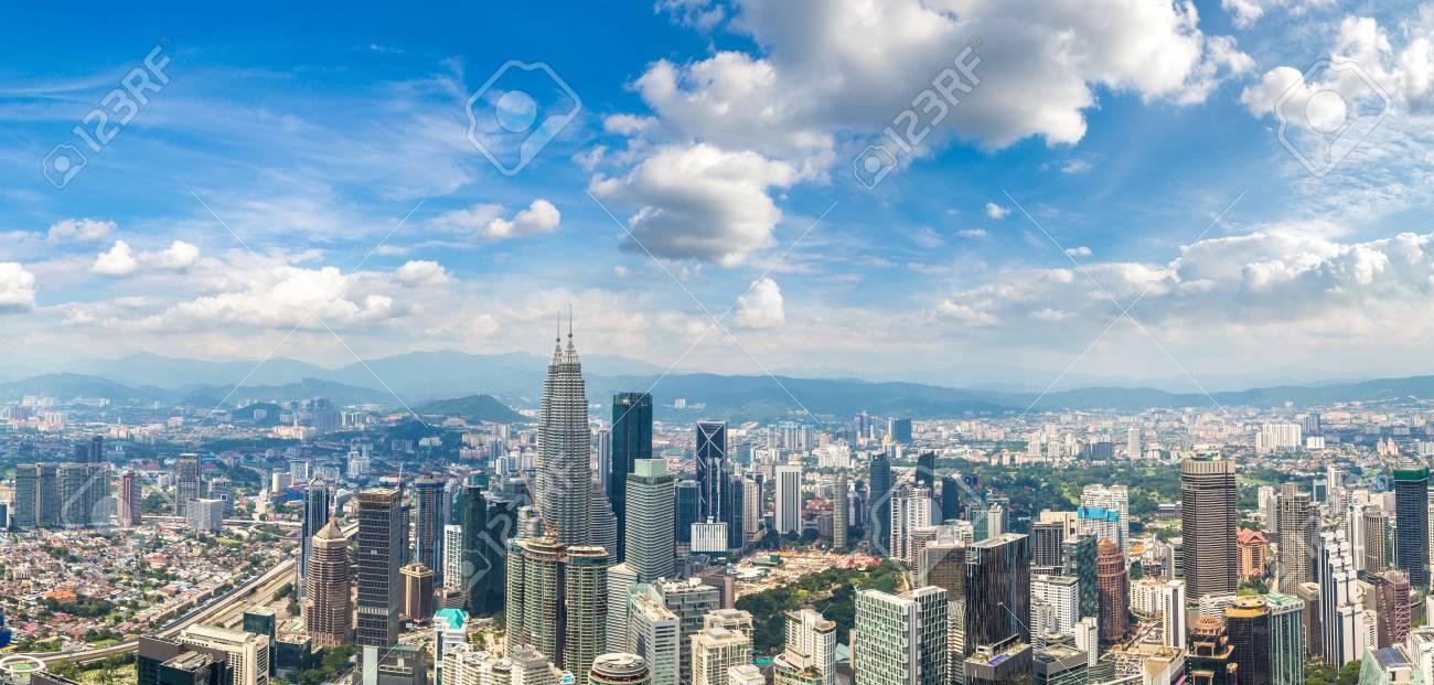 Panorama of Kuala Lumpur, Malaysia at summer day - 109267362