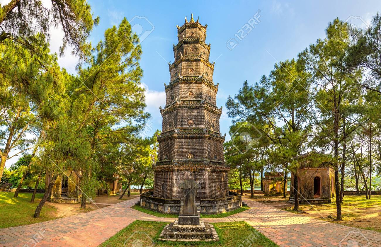 Panorama of Thien Mu Pagoda in Hue, Vietnam in a summer day - 124488641