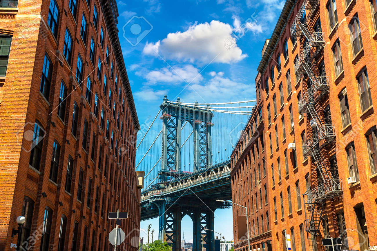 Manhattan Bridge in New York City, NY, USA - 173438617