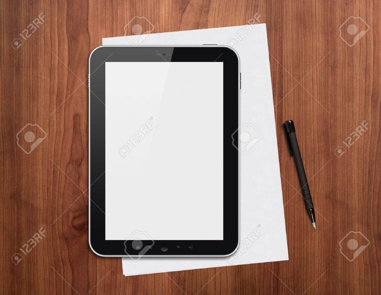 Moderne tablette numérique blanche papiers et stylo sur un bureau